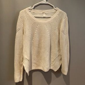 H&M Simple White Knit Sweater